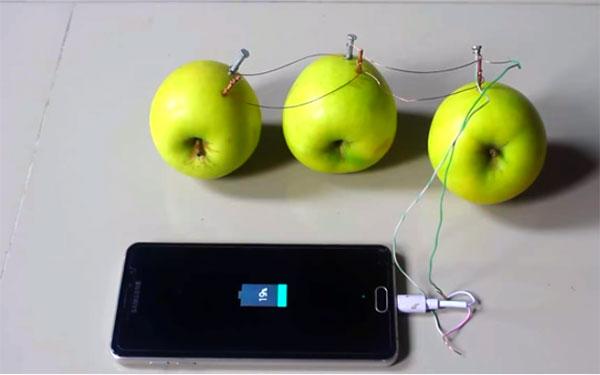 3 cách sạc điện thoại không cần nguồn điện - post